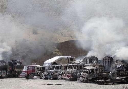 阿富汗塔利班袭击美军基地 炸毁30余辆军车