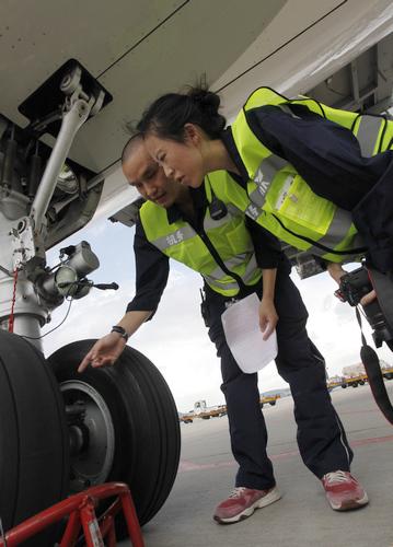 体验地点:杭州萧山国际机场 体验职业:机务检修工程师   2014年,阿尔
