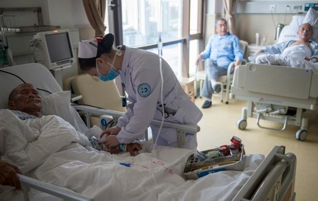 护士:与时间赛跑 为生命接力