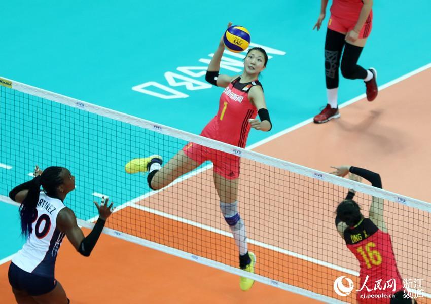 5月15日,中国女排队员袁心玥在比赛中扣取 。章勇涛 摄