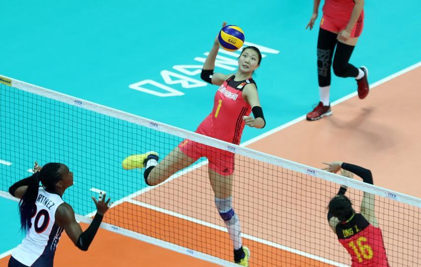 中国女排3:0胜多米尼加队