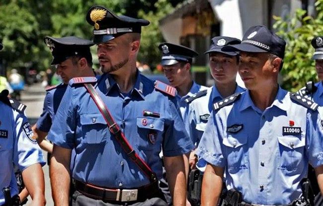 意大利警察在杭联合巡逻