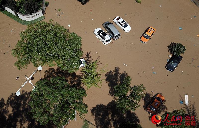 8月11日,浙江台州临海一受灾区域。章勇涛 摄