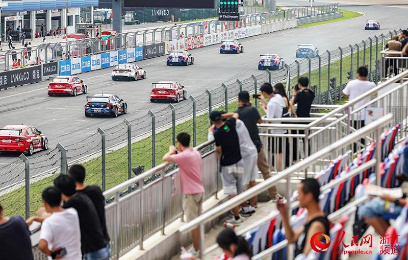 2019赛季WTCR世界房车锦标赛宁波站发车。章勇涛 摄