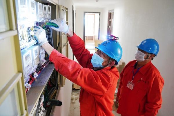 湖州供電綠色通道緊急安裝168塊表計助力省重點民生項目復工