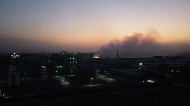 记者直击浙江衢州化工企业火灾现场 火势和对环境影响正在得到控制