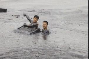 摄影师334秒记录大连清污消防员牺牲过程--浙
