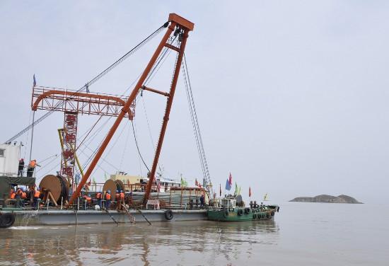 敷设国内最长海底电缆
